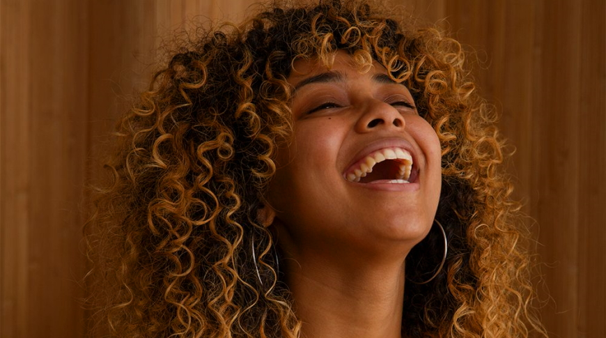Guide to the Latest Hair Trend: Ombre for Curly Hair
